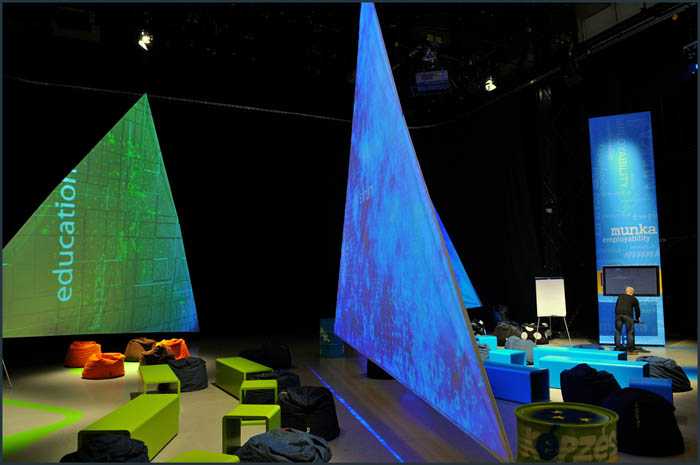 dsc 3699 YOM   Budapest  terformalas grafikai termek tervezes film diszletkeszites digitalis nyomtatas