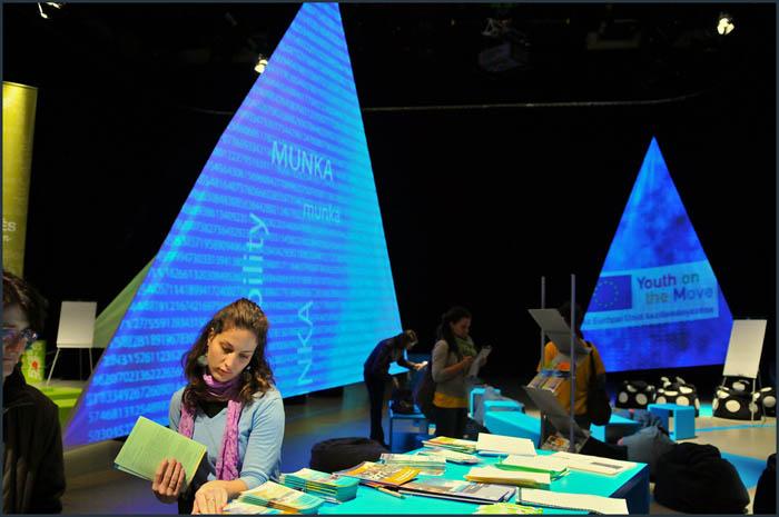 dsc 3739 YOM   Budapest  terformalas grafikai termek tervezes film diszletkeszites digitalis nyomtatas