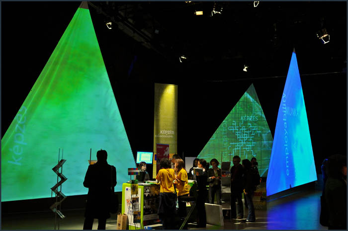 dsc 3744 YOM   Budapest  terformalas grafikai termek tervezes film diszletkeszites digitalis nyomtatas