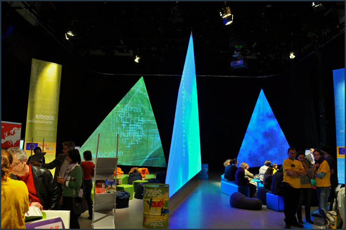 dsc 3779 YOM   Budapest  terformalas grafikai termek tervezes film diszletkeszites digitalis nyomtatas