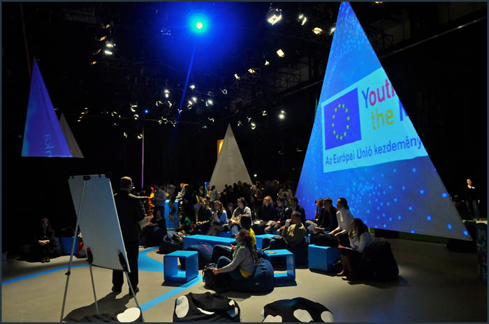 dsc 3803 YOM   Budapest  terformalas grafikai termek tervezes film diszletkeszites digitalis nyomtatas