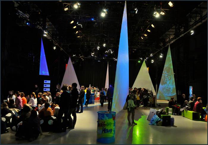 dsc 3832 YOM   Budapest  terformalas grafikai termek tervezes film diszletkeszites digitalis nyomtatas